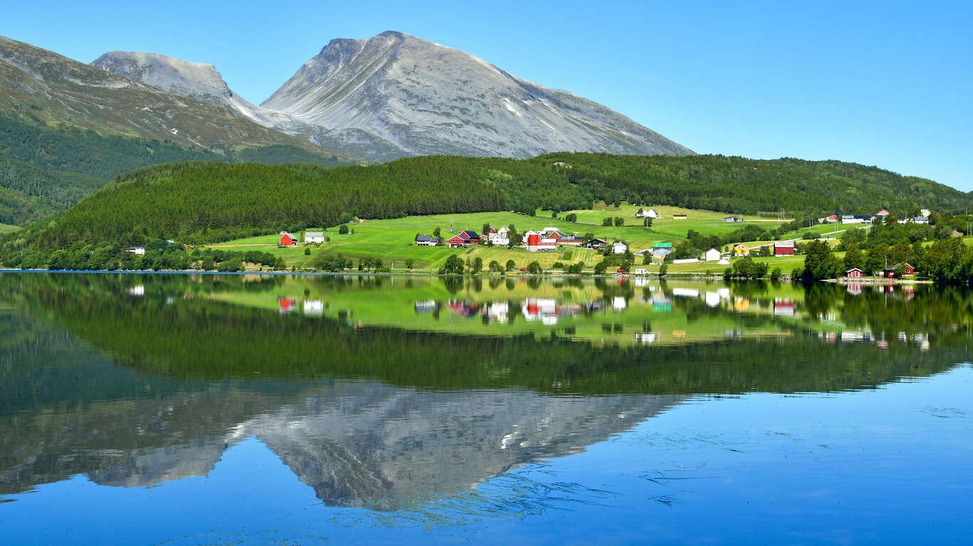 Circuit dans les fjords de Norvège