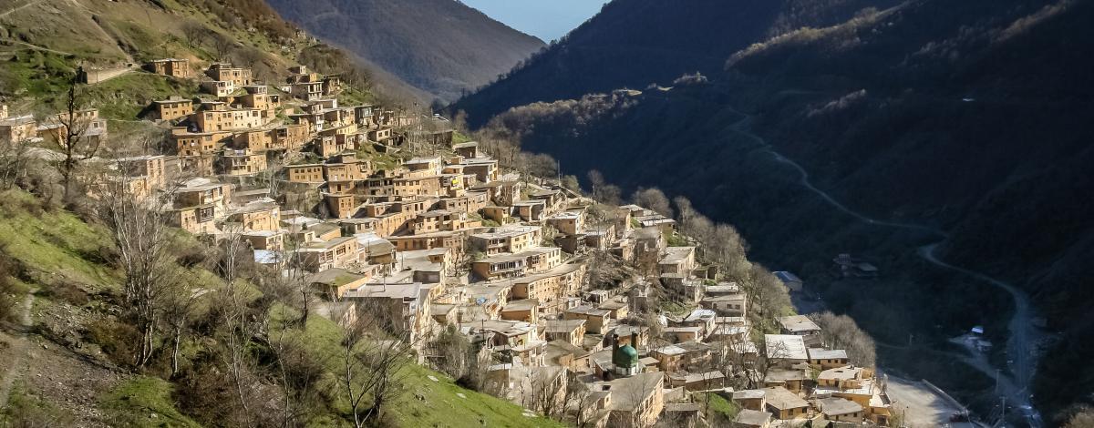 Iran authentique :  de la cité d'Ispahan aux villages de  Mer Caspienne