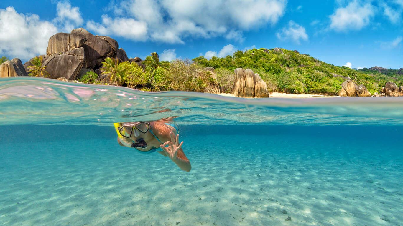 Snorkeling sur les récifs de Silhouette et Cerf Island