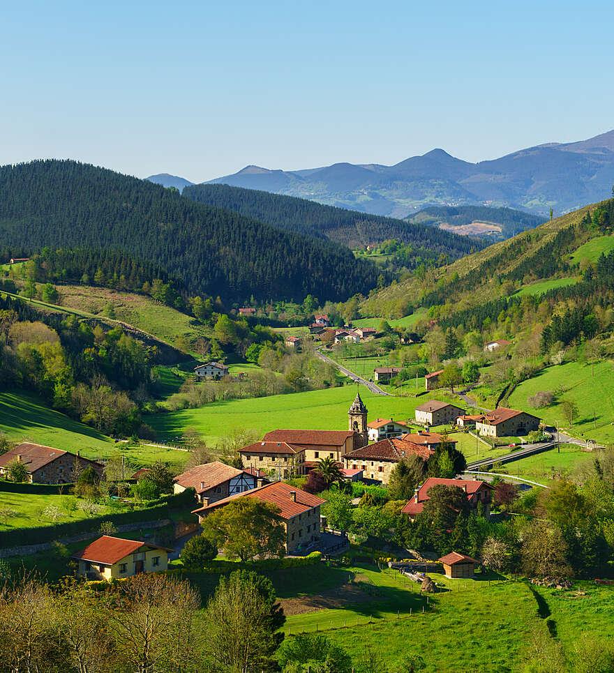 Pourquoi voyager avec Cercle des Voyages au Pays Basque ?